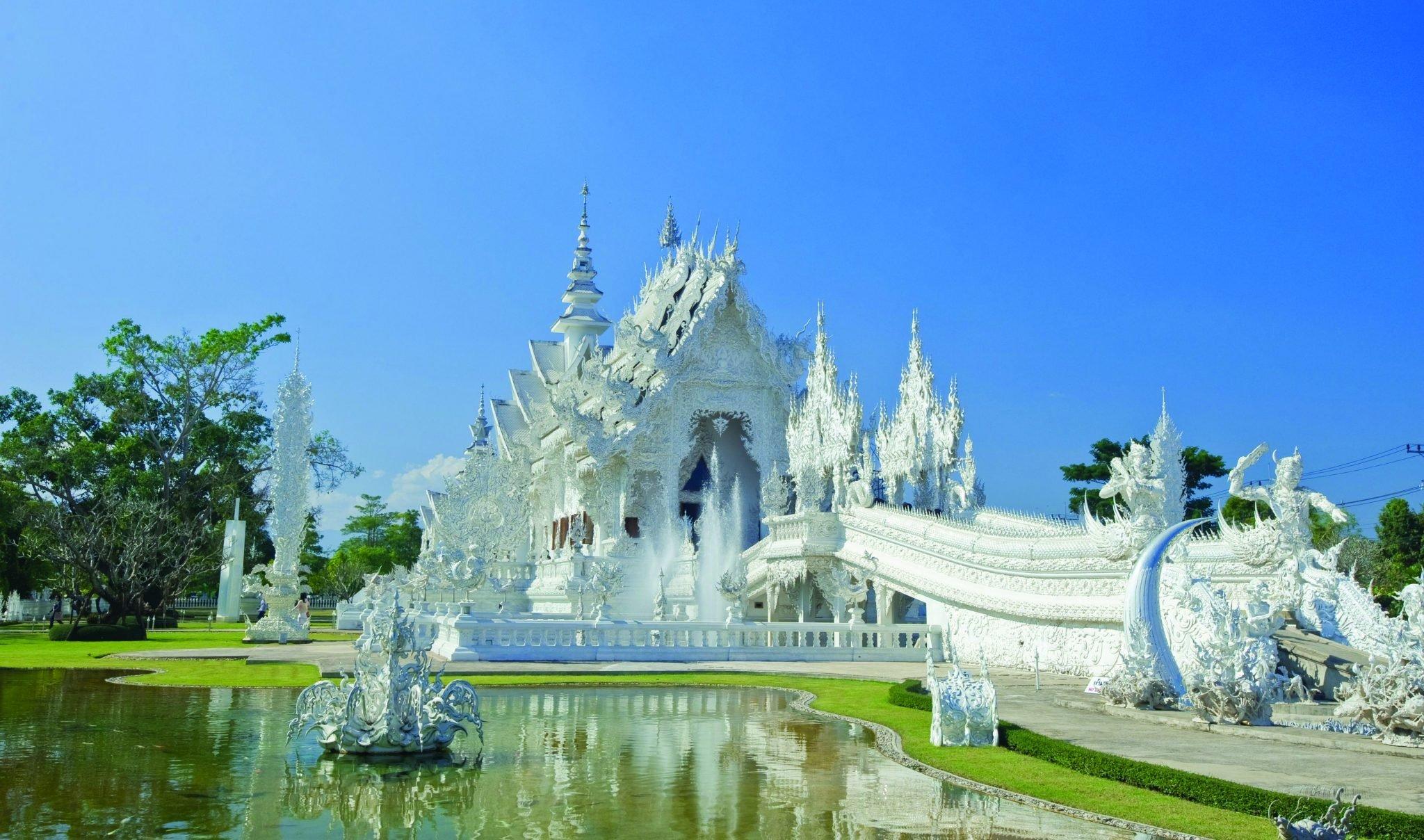 Wat Phra Kaew and Wat Rong Khun