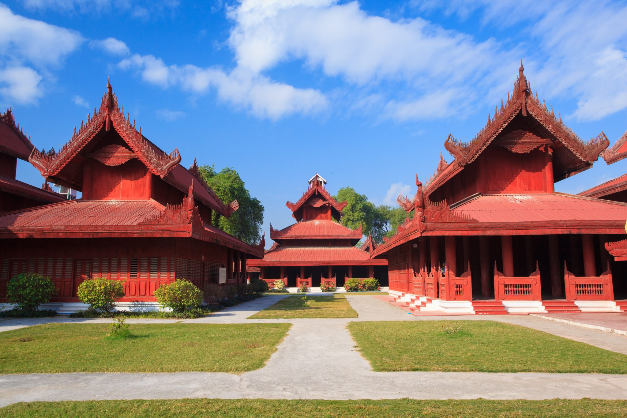 Mandalay Royal Palace and Shwe Inbin Monastery